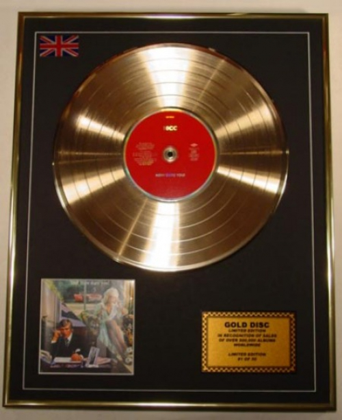 10CC/LTD. EDITION CD GOLD DISC/'HOW DARE YOU!'