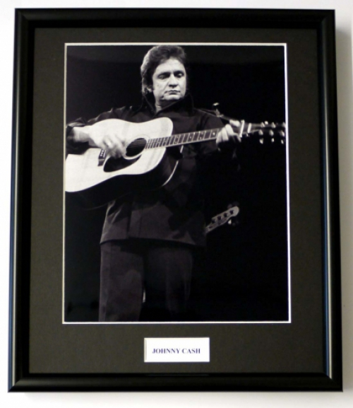 JOHNNY CASH/FRAMED PHOTO (2)