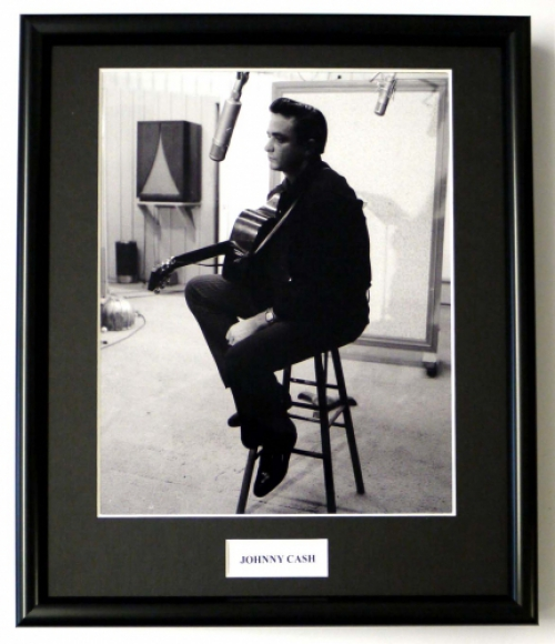 JOHNNY CASH/FRAMED PHOTO (3)