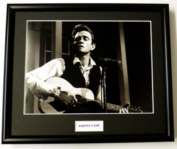 JOHNNY CASH/FRAMED PHOTO (5)