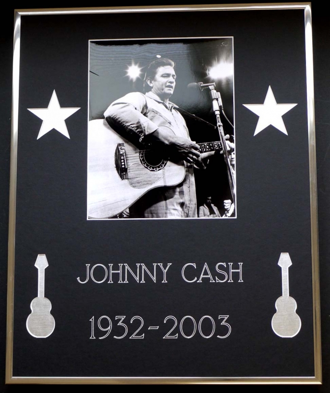 JOHNNY CASH /FRAMED PHOTO WITH COMMEMORATIVE DATE